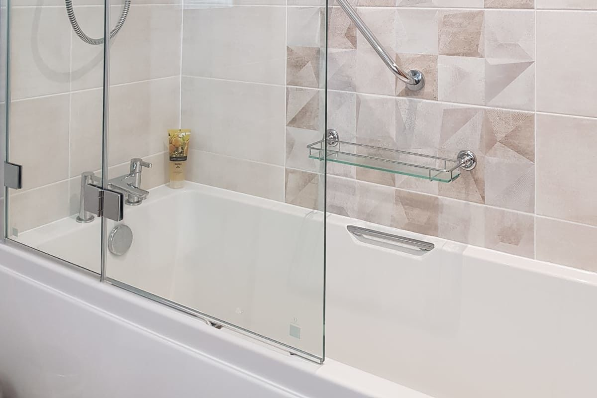 low level easy access bath with integral grab handles