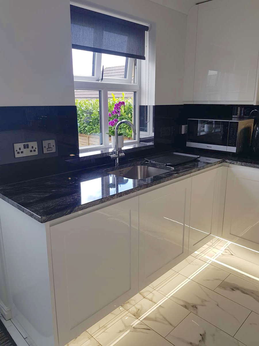 white gloss shaker kitchen