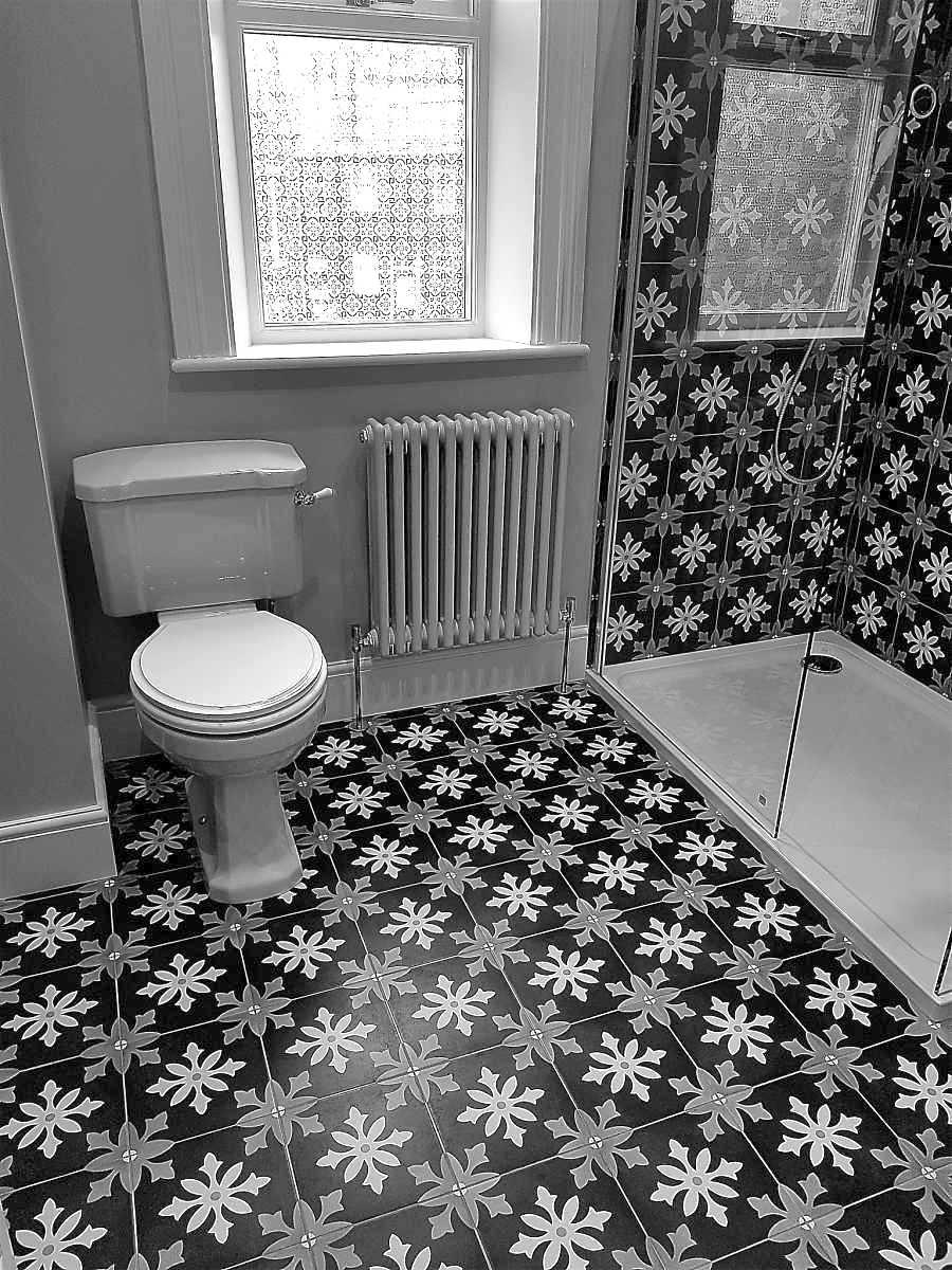 art deco retro bathroom