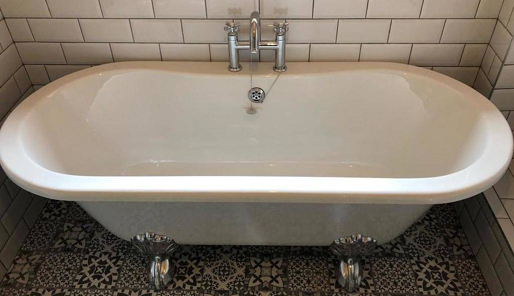 period double ended roll top bath with ball and claw feet